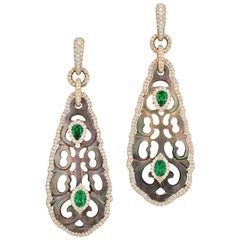 Tahitian Mother-of-Pearl and Tsavorite Earring