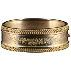 Antique Victorian Gold Bangle Beautiful Engraving 9 Carat Gold, circa 1880