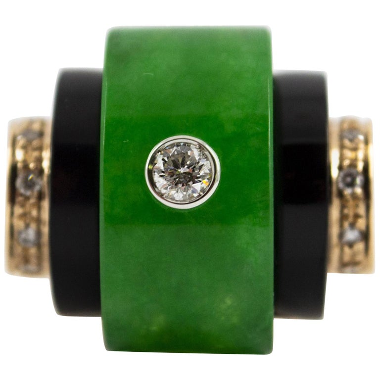 Renaissance Style Jade 0.30 Carat White Diamond Onyx Yellow Gold Cocktail Ring