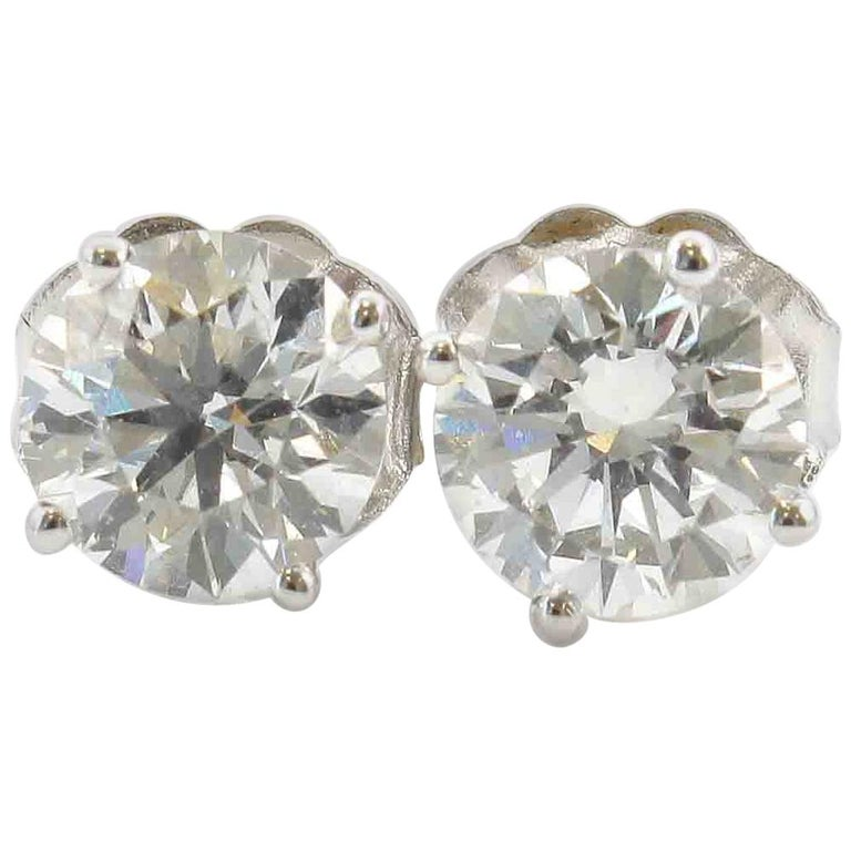 GIA Certified Diamonds 18 Karat Gold Studs