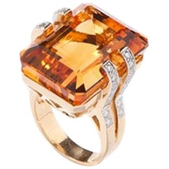 Gold Ring with Citrine and 32 Brilliants, 18 Carat Gold