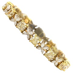 13.99 Carat Radiant Fancy Yellow and White Diamonds Bracelet in 18 Karat