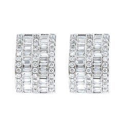 18 Karat White Gold Earrings with Baguette and Round Cut Diamonds