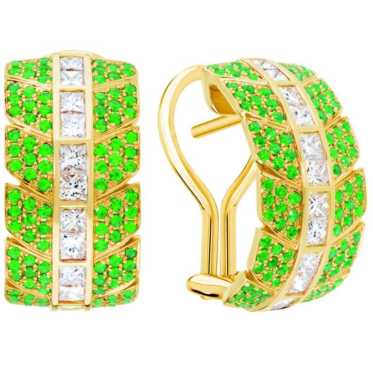 Eros Earrings Emeralds 18 Karat Yellow Gold