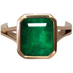 Large Deep Green 4.00 Carat Colombian Emerald Rose Gold 18 Karat Cocktail Ring