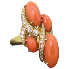 Vintage Coral Brilliant Cut Diamonds Cocktail Fashion Yellow Gold Ring