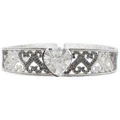 Hearts Black and White Round Baguette Diamond Gold Hinged Choker Rope Detail