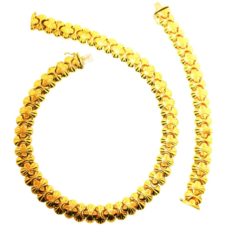 18 Karat Gold Necklace and Bracelet Set