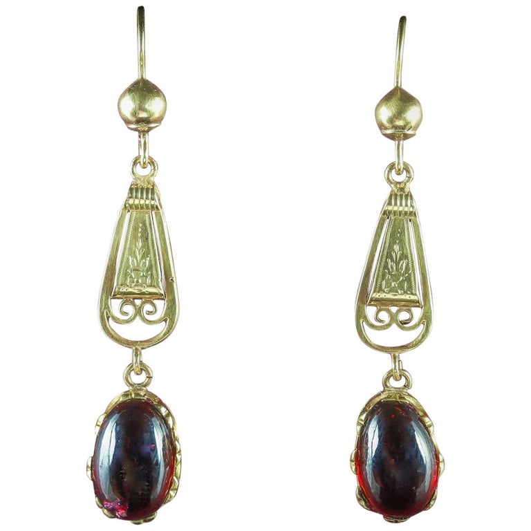 Antique Georgian Garnet Earrings 18 Carat Gold, circa 1800