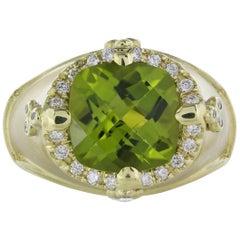 18 Karat Yellow Gold 6.60 Carat Peridot Ring