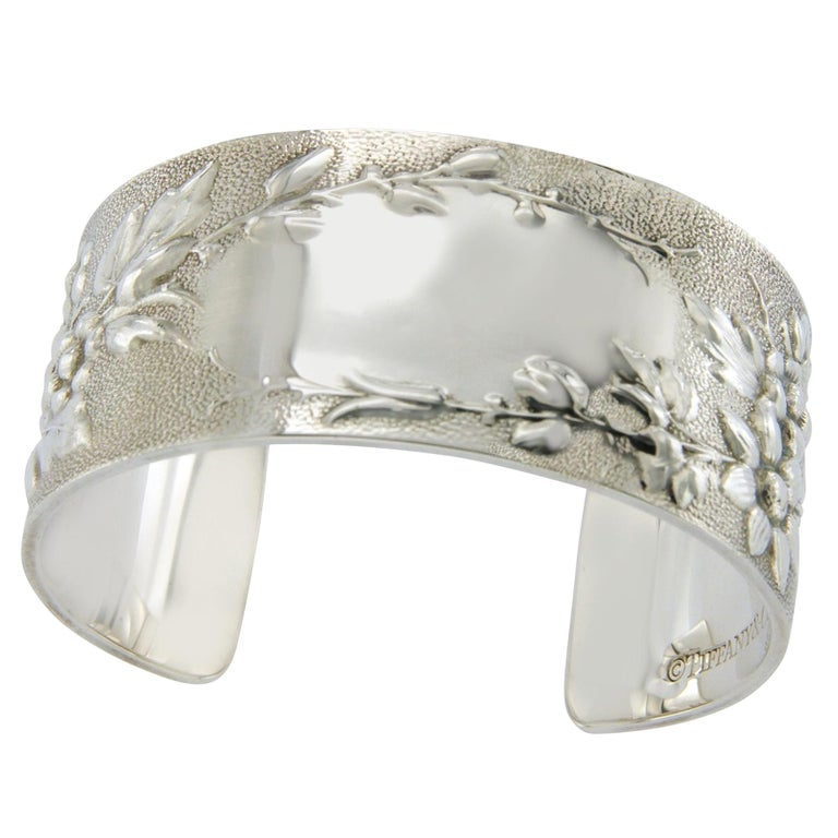 Tiffany & Co. Makers 26430 Sterling Silver Flower ID Bangle