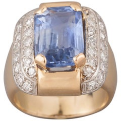 Vintage French Gold and Certified 7.50 Carat Sapphire Ring