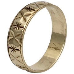 Gold Vintage Jewelry Engraved Stars Wedding Band Stacking Ring English, 1980s