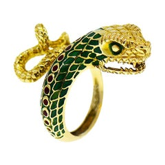 Vintage 18 Karat Yellow Gold Enameled Large Snake Ring, Rare 1960s Animal Motif