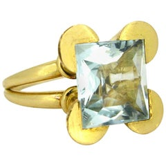 Retro 1950s Aquamarine Yellow Gold Ring