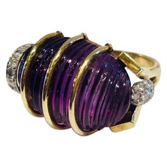 Midcentury 19.5 Carat Carved Amethyst Cabochon Diamond Pave Yellow Gold Ring
