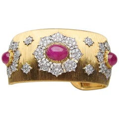 Midcentury Buccellati Diamond and Ruby 18 Karat Gold Cuff Bangle