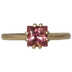 Vivid Pink Tourmaline 0.80 Carat Square Princess Cut Yellow Gold Solitaire Ring
