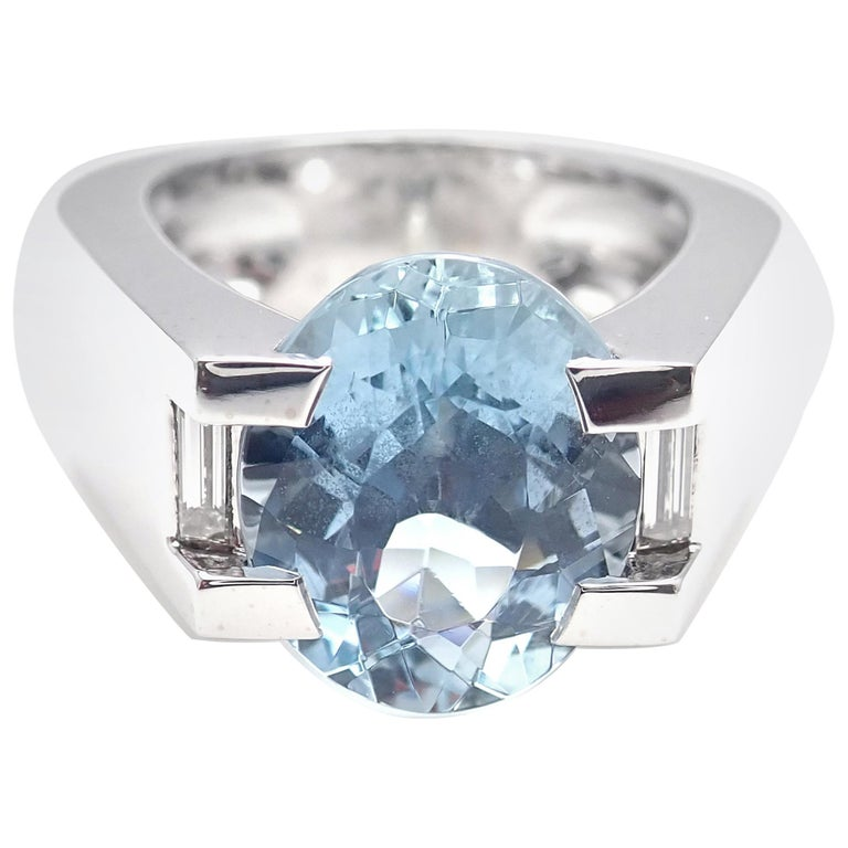Cartier Large Aquamarine Diamond White Gold Ring For Sale