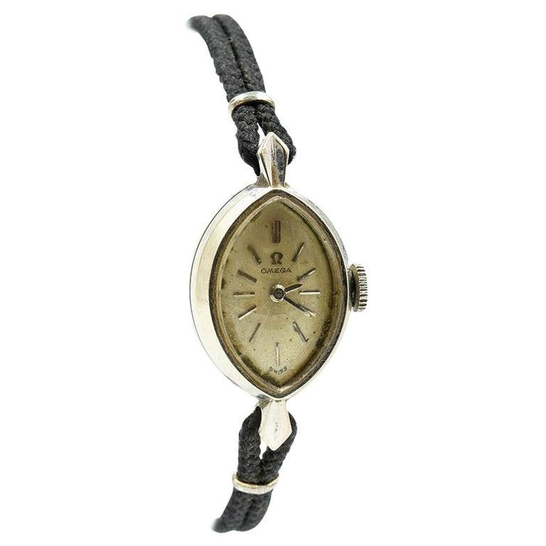 Omega White Gold Vintage manual wind Wristwatch