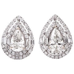 Diamond 18 Karat Pear Shape Diamond Stud Gold Earrings