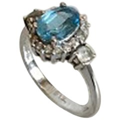 Ring in 14 Karat White Gold with Blue Stone 'Sapphire'