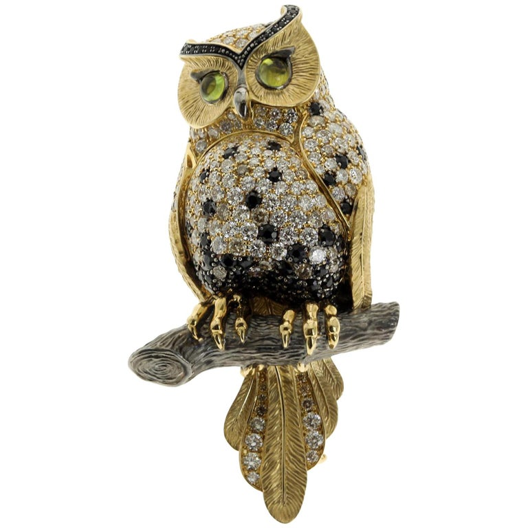 18 Karat Yellow Gold Diamond Sapphire Owl Brooch