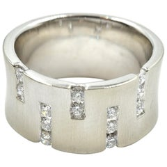 0.46 Carat Diamond In-Line Cigar Band 14 Karat White Gold