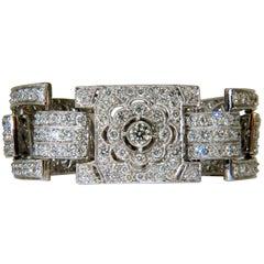 18 Karat 20.00 Carat Diamonds Art Deco Classic Link Cuff Bracelet Cluster