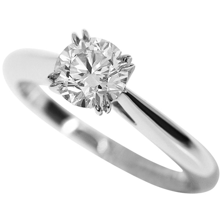 Harry Winston 0.55 Carat Round Brilliant Diamond Platinum Solitaire Ring For Sale