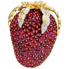 52.90 Carat Natural Ruby Diamond Strawberry Brooch Pin 18 Karat