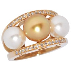 South Sea Pearl and White Diamonds on Yellow Gold 18 Karat Fashion Ring