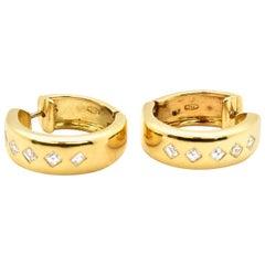 18 Karat Yellow Gold and 0.50 Carat Princess Diamond Hoop Earrings
