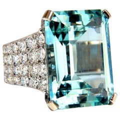 GIA Certified 28.26 Carat Natural Aquamarine diamonds ring Vivid 14 Karat