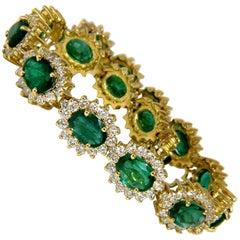 30.26 Carat Natural Zambia Vivid Green Emerald Diamonds Bracelet