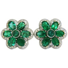 15.10 Carat Natural Vibrant Green Emerald Diamond Cluster Earrings Clip