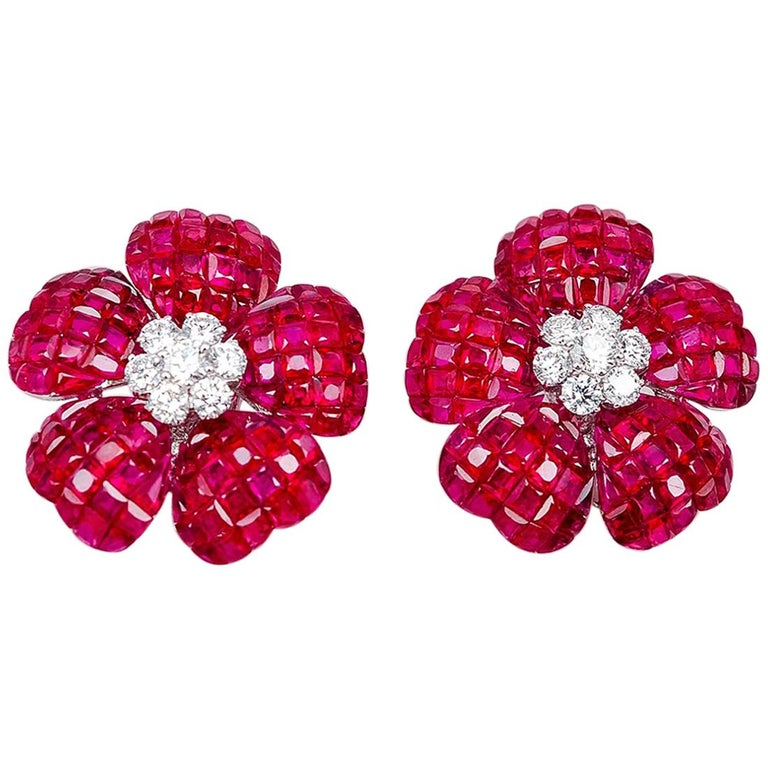 18K white gold flower Ruby and Diamond invisible Earrings For Sale