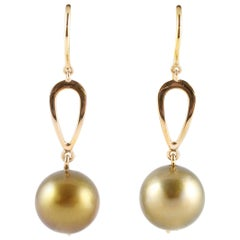 Tahitian Pearl Yellow Gold Earring
