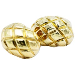 David Webb 18 Karat Yellow Gold Pineapple Hammer Work Clip-On Earrings