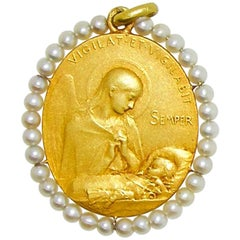 Cartier Paris 1920 Madonna and Child Antique Gold Pendant
