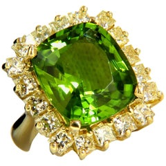 GIA Certified 15.25ct natural vivid green peridot diamonds ring 18kt cluster