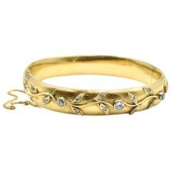 14 Karat Yellow Gold Vintage Floral Diamond Bracelet