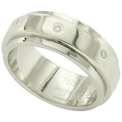 Piaget Possession 18 Karat White Gold Diamonds Rotating Band Ring