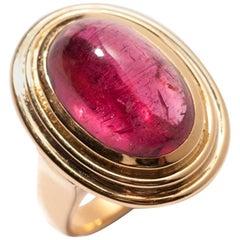 Ring with Rubellite of 15.05 Carat, 18 Karat Yellow Gold