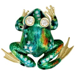 1960s Italian Diamond and Yellow Gold Frog Brooch