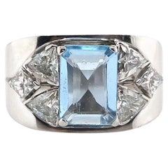 18 Carat White Gold 1.64 Carat Emerald Cut Aquamarine 1970s Ring