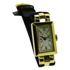 C.D. Peacock Art Deco 18 Karat French Hallmarked Ladies Wrist Watch from 1953