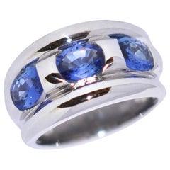 Ceylan Sapphires and White Gold 18 Karat Fashion Ring