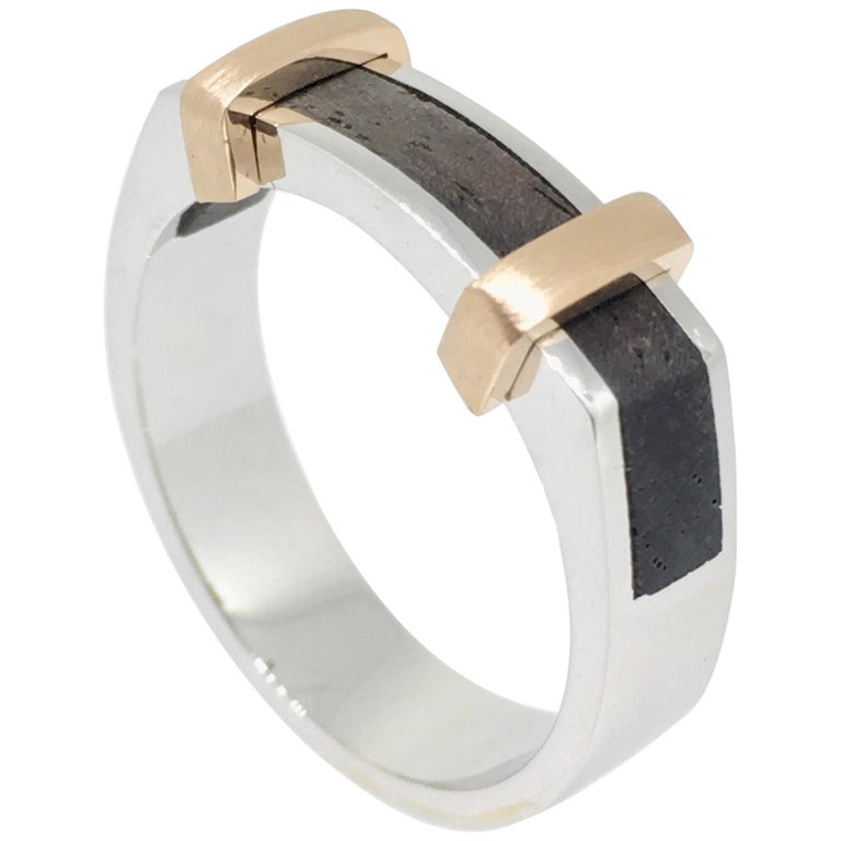 Gent's Ring, Platinum Gold, Ebony Wood