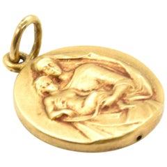 14 Karat Yellow Gold Virgin Mary Medal Charm 1.1 Grams